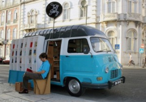 Tell-a-Story-mobile-library-picture-4