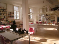 E' una delle poche biblioteche conventuali aperte al pubblico. Si trova nel complesso del convento di S.Maria al Carrobiolo, edificato nel XIII sec. dagli Umiliati, passato poi alla Congregazione dei Barnabiti nel 1571. Contiene circa 30.000 volumi, editi dal XV sec. ai giorni nostri.